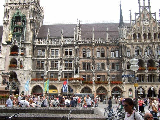 Площадь Мариенплатц, Мюнхен