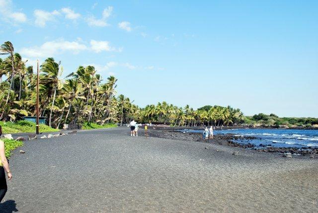 Пляж с черным песком, Большой остров, Гавайи