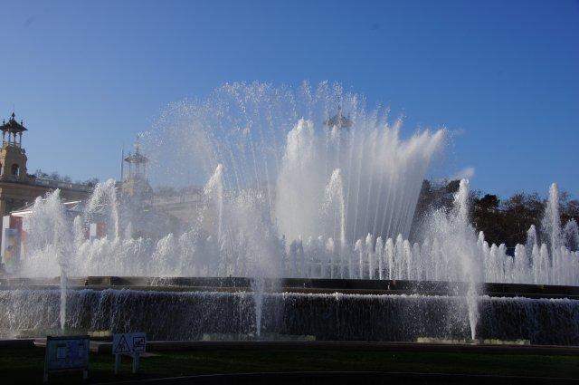 Поющий фонтан, Барселона