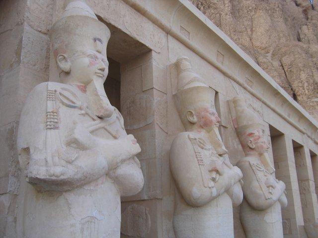 Фрагмент фасада храма Хатшепсут, Египет