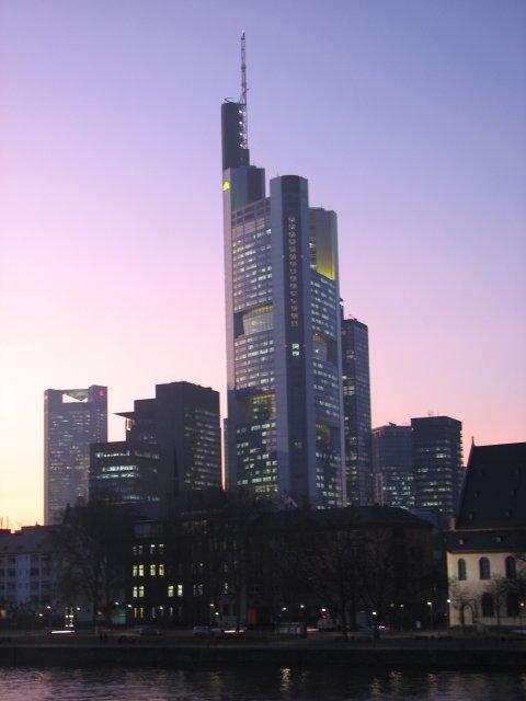 Вид на небоскребы во время заката, Франкфурт-на-Майне