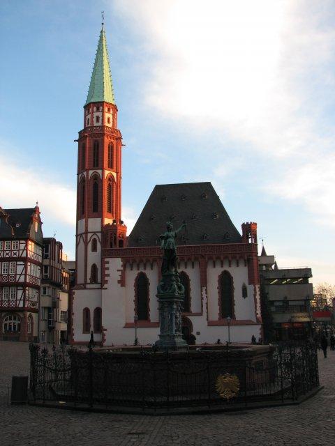 Фонтан правосудия, Франкфурт-на-Майне