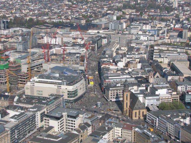 Вид со смотровой площадки на улицу Цайль, Франкфурт-на-Майне