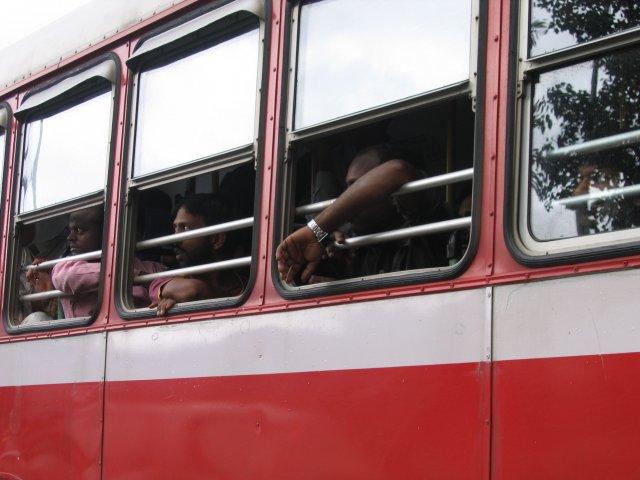 Пассажиры автобуса, Мумбаи
