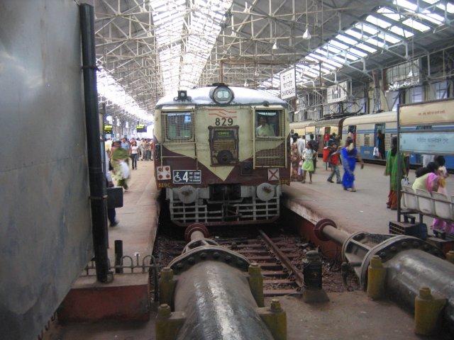 На вокзале, Мумбаи