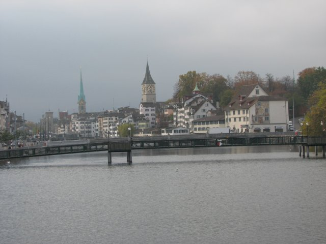 Вид на Цюрих с реки Лиммат