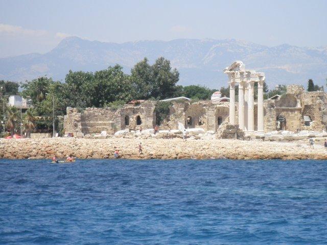 Турция. Сиде. Вид с моря на античный город
