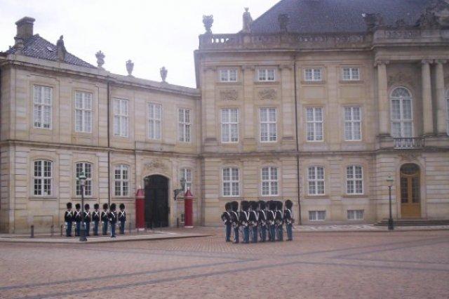 Смена караула, Копенгаген, Дания