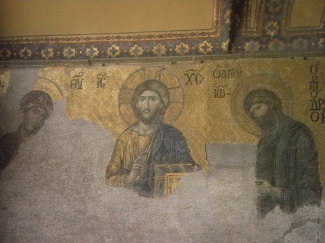 Старинные фрески собора