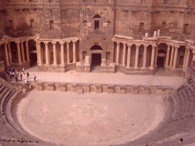 Амфитеатр в городе Босра