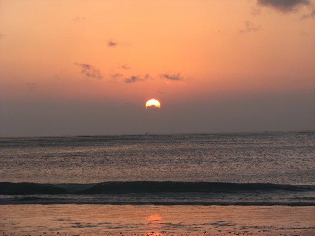 Закат в Джимбаране, Бали