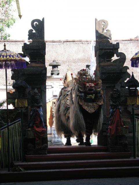 Танец Баронга, Бали