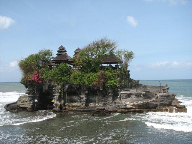 Храм Танах Лот, Бали