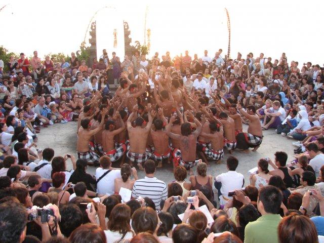 Танец Кечак, Бали