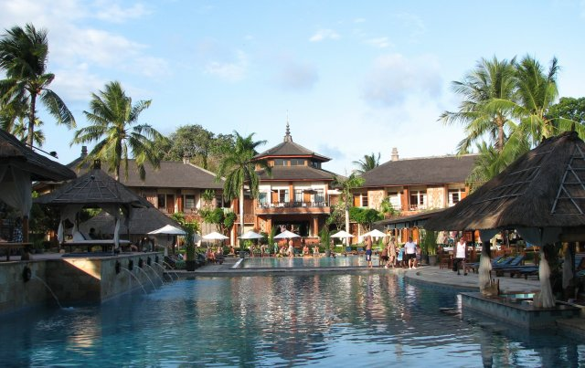 Бассейн отеля Jayakarta Bali 4*