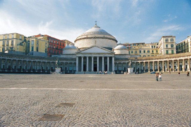 Народная площадь, Неаполь, Италия