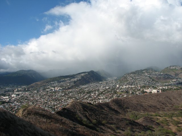 Вид с горы Diamond Head, остров Оаху, Гавайи