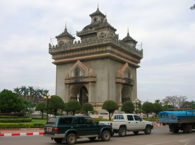 Patuxai, Вьентьян