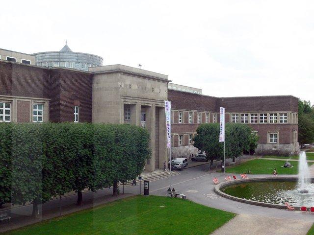 Дворец искусств в Дюссельдорфе