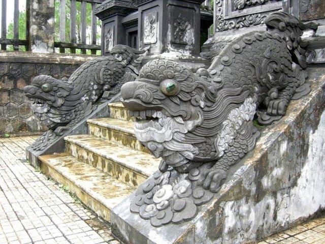 Гробница императора Минь Манга
