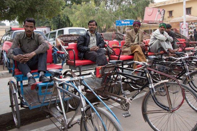 Водители велорикш