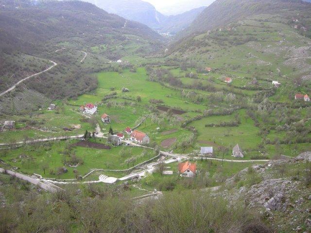 Васильева пещера, Черногория