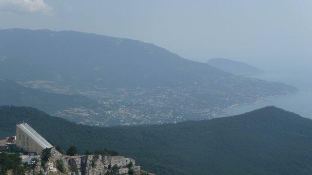 Вид на Ялту с горы Ай-Петри, Крым
