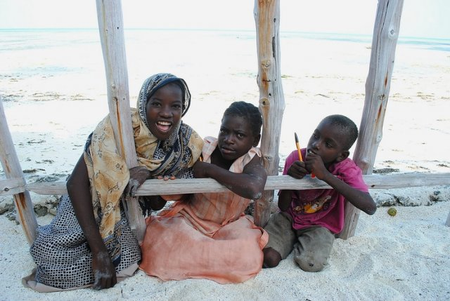 Jambiani. Shene Bungalows. Local children