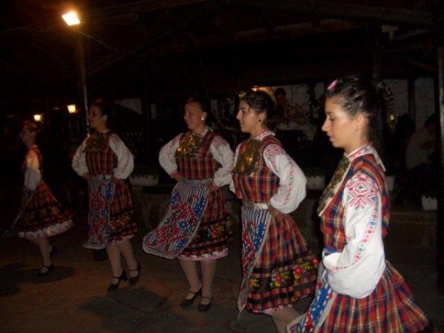 Национальные болгарские танцы
