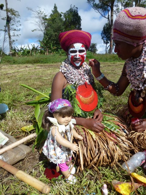Саманта и папуасы