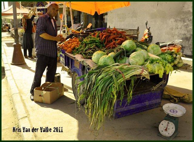 Уйгуры тайцам: «наши перцы-чили больше!»