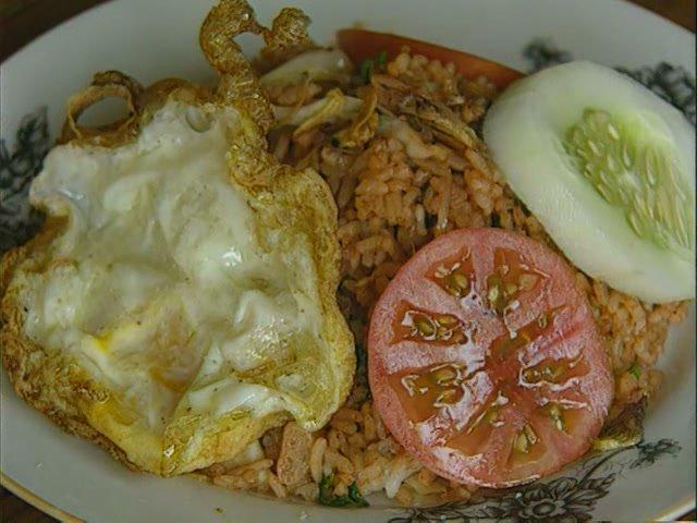 Блюдо Наси горинг, остров Бали