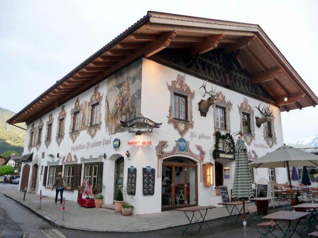 Ресторан с баварской кухней в Гармише
