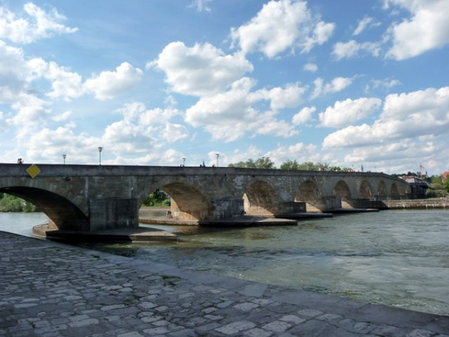 Старый мост через Дунай