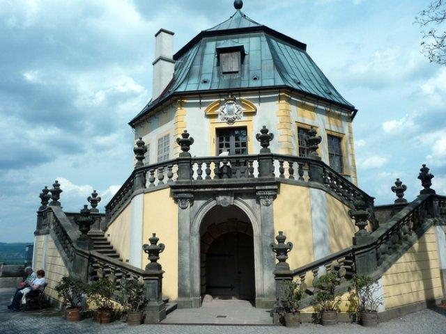 Павильон в крепости