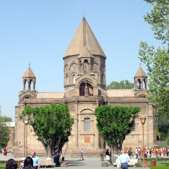 Церковь св. Рипсиме, Ереван, Армения