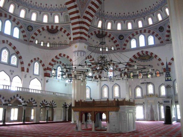 Мечеть Азади в Ашхабаде, Туркменистан