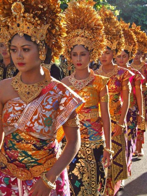 Традиционные балийские танцы на фестивале