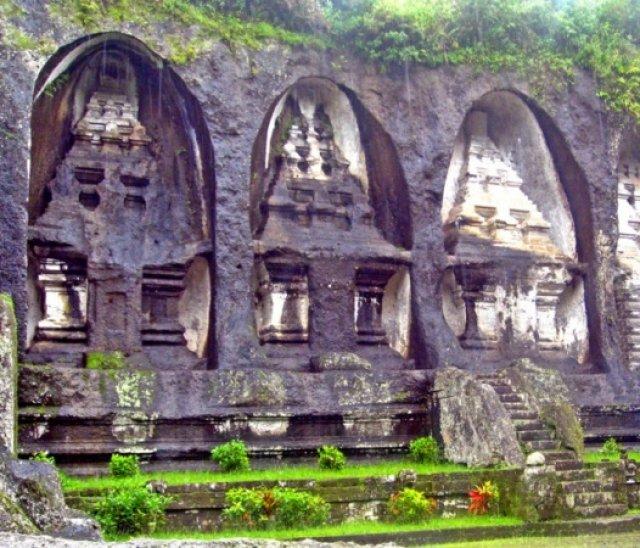 Храмы в известняке, недалеко от убуда, Бали