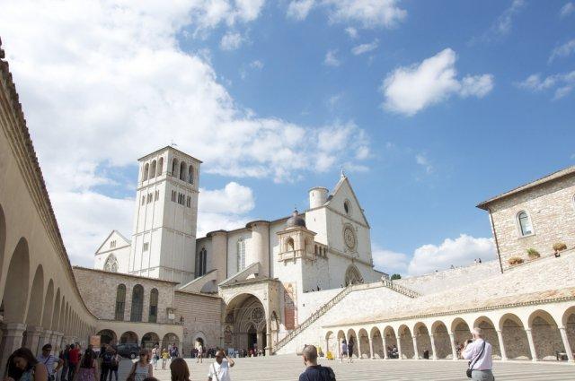 Церковь Сан-Франческо в Ассизи, Италия