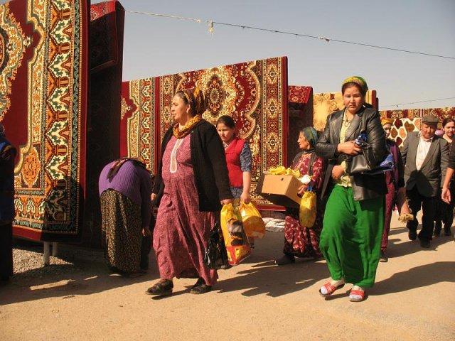 Туркменский рынок