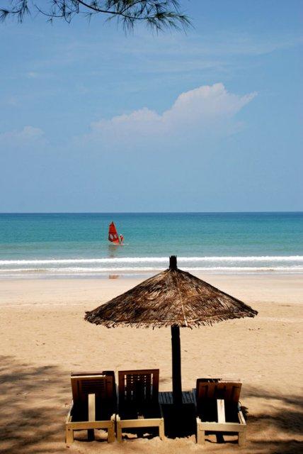 Пляж у АМАТЫ, винд серфинг в Бенгальском заливе