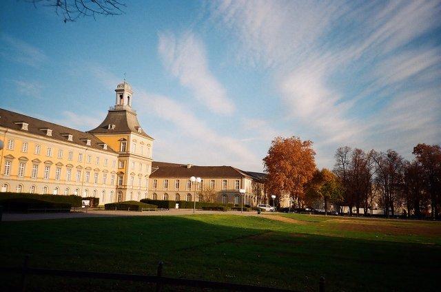 Университет Бонна, Германия