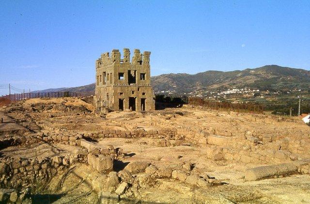 Башня Centum Cellas, Португалия