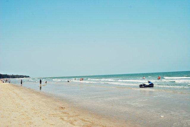 Пляж курорта Ча-Ам, Таиланд