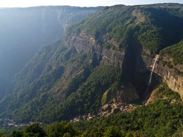 Черапунджи - самое влажное место на Земле, Индия
