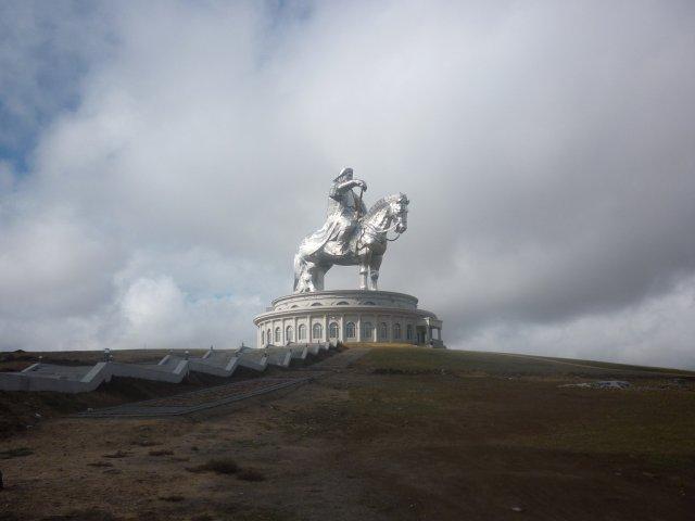 Конная статуя Чингисхана, Моголия