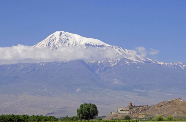 Монастырь Хор Вирап у подножия Арарата, Армения