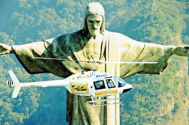 Статуя Христа-Искупителя в Рио-де-Жанейро, Бразилия