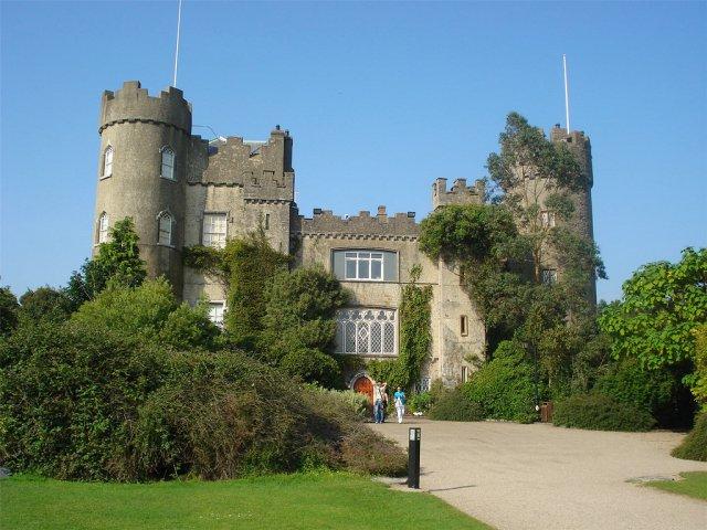 Замок Малахайд, Ирландия